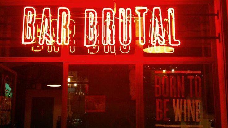 Bar Brutal c/ Princesa, 14 Barcelona Recomiendo: Parmesano con higos, trufa y miel, Calabaza al horno y de postre la impresionante tarta de parmesano. Como su nombre: BRUTAL!!!!!!