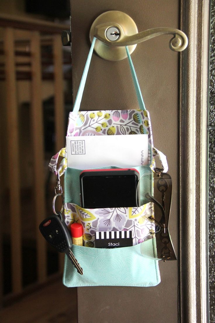 Out the Door Organizer free sewing tutorial at SewCanShe