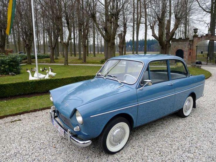 """""""Daf 600 Luxe"""" """"Survivor from a time nobody cared."""" Cars from a time when the wife was the gps.... Op 23-02-1961 verliet deze DAF 600 de fabrieken in Eindhoven, richting Frankrijk, waar het Dafje de eerste 50 jaar van zijn leven vertoefde. Ik bezit deze Daf 600 Luxe van de tweede generatie uit 1961 sinds een aantal jaren. Chassis nummer: LP007020497 Motor nummer: *600AF-021111* Meer info, foto's, en video's kan je bekijken via : http://users.skynet.be/bruno.costers/home.html"""