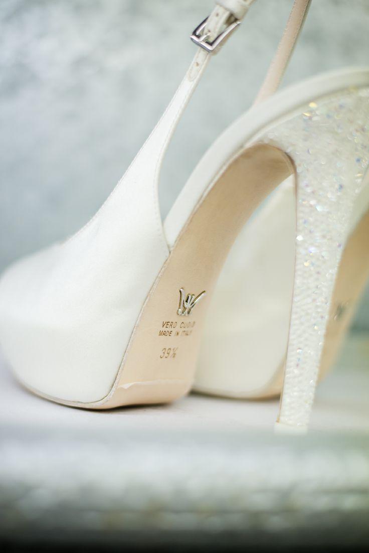 Cindarella shoes  #lascarpettadicenerentola #masciamandolesi #luxuryshoes #nonsolosposa #ShoeSelfie #cindarella #wedding #bridal @Elizabeth Lockhart Lockhart Albaigés Marzetti #foto