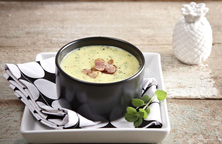 Το τρίπτυχο γεύση, χρώμα και άρωμα συναντάται σε μία σούπα που θα δώσει σίγουρα στις κρύες μέρες του χειμώνα ξεχωριστή νοστιμιά.