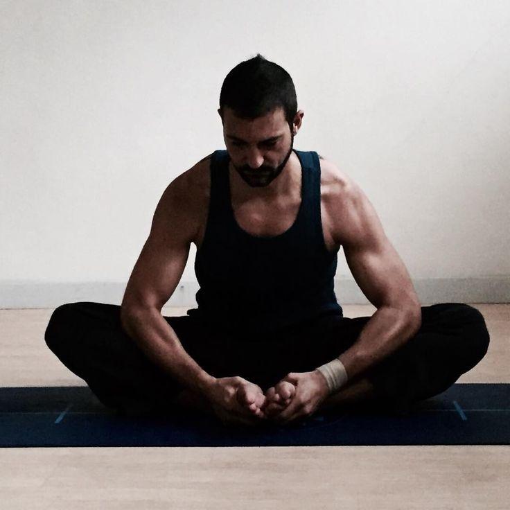 #baddhakonasana #yoga #dealegnano