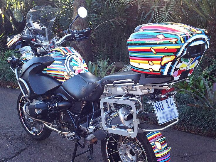 The Jeff Koons Tribute | BMW R1200GS painted by PAZ.