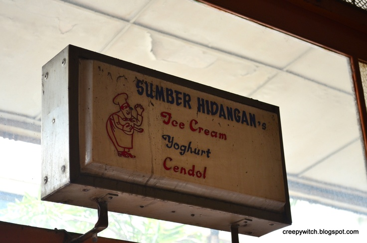 Sumber Hidangan, Jalan Braga, Bandung, Indonesia