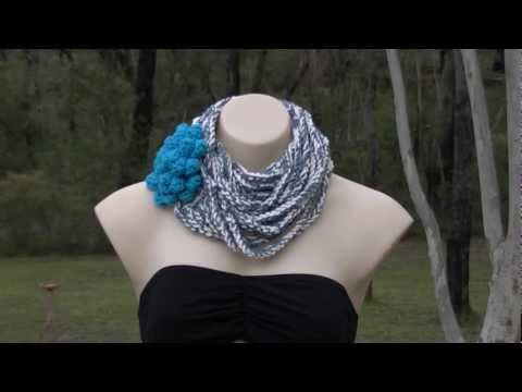 Echarpe infinie en lani res de mailles en l 39 air reli e - Crochet maille en l air ...