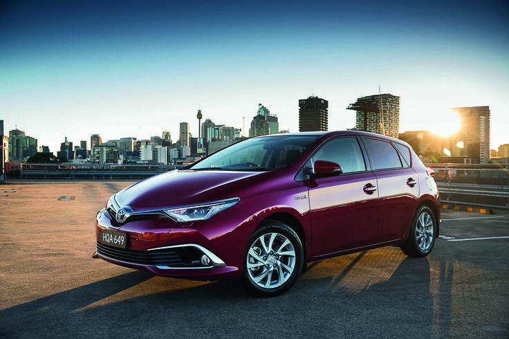 Corollas new hybrid, RoyalAuto Nov 2016. #toyota #corolla #hybrid #toyotacorolla #toyotacorollahybrid #newcar #carreview #newcarreview