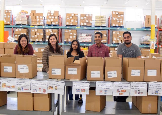 Rob Gill Real Estate Group had the privilege of spending the morning volunteering for the Mississauga Food Bank. It is surprising to know that approximately 112,000 people in our very own city live below the poverty line and rely on the Mississauga Food Bank for items such as Milk, Fruits & Vegetables, Meat & Pantry Staples. 14,641 Mississauga Neighbours received food in 2015-2016 from the Food Bank. So far this year, 490,705 meals were provided to families #givingback #robgillrealestate