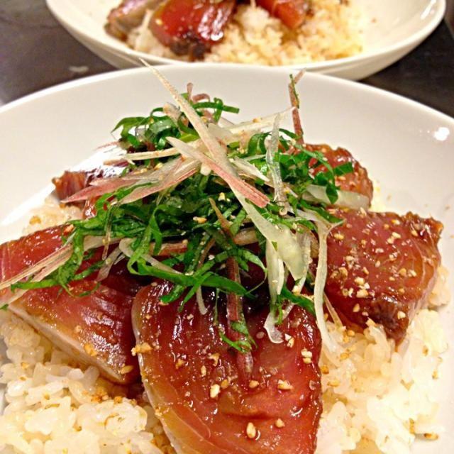 金曜日♪ あっさりと簡単お寿司です ♪( ´▽`) 随分前に三重県伊勢で食べた、手こね寿司は、本当に美味しかったです イメージしましたが…何か違う⁈ でも、生姜も効いててペロッと食べました(*^^*) - 72件のもぐもぐ - カツオの手こね寿司風♪ by hirominno
