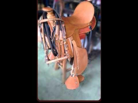 Talabartería Plinio Ortiz con sus sillas para montar a caballo