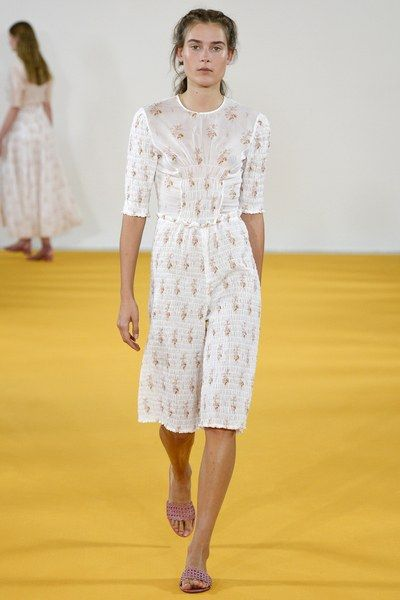 See the complete Emilia Wickstead Spring 2017 Ready-to-Wear collection.