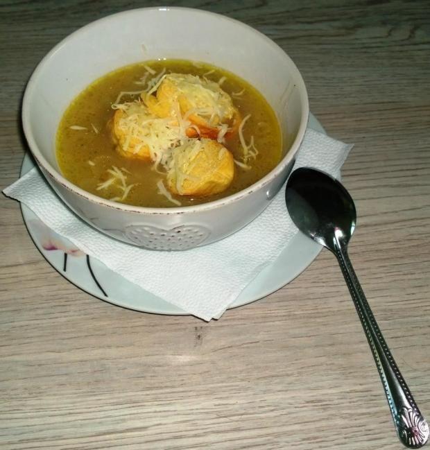 Francúzska cibuľová polievka. - recept
