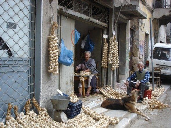 thestolencaryatid:  Piraeus, Greece  Tα Σκορδάδικα στον Πειραιά