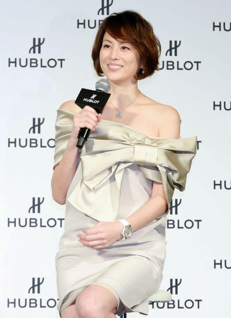 米倉涼子「新しい恋」質問に手を振り苦笑い 表彰式のプレゼンターとして登場 / デイリースポーツ #米倉涼子