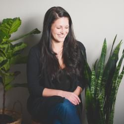 An interior designer turned lifestyle editor, Mackenzie Clarke has discovered the perfect balance where life and work exist as one. She believes that black is the perfect colour, that homemade is the way to go and that a glass of bubbly is always a good idea.