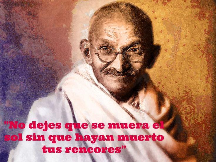 """""""No dejes que se muera el sol sin que hayan muerto tus rencores""""  #Frases #célebres de """"Personajes"""