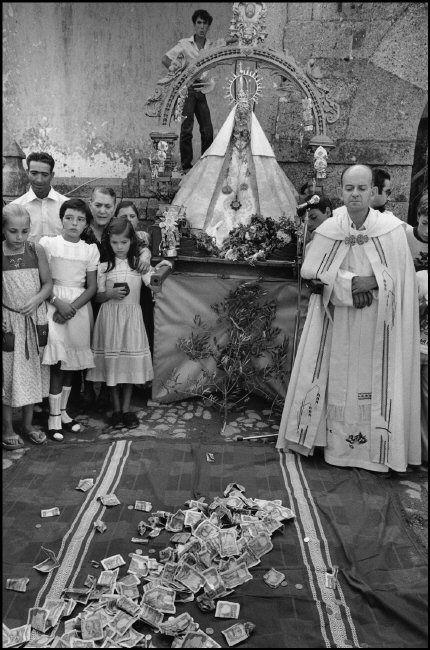 Miranda del Castañar (Salamanca) 1980 (fiesta de la Virgen de la Cuesta). Cristina García Rodero