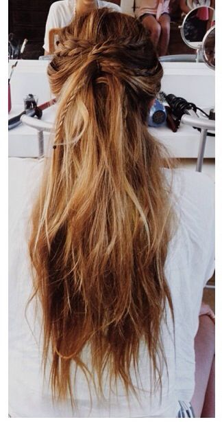 beautiful long hair, love the color!