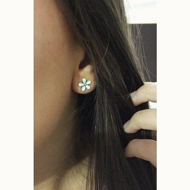 Pandora Earring Darling Daisies White Enamel