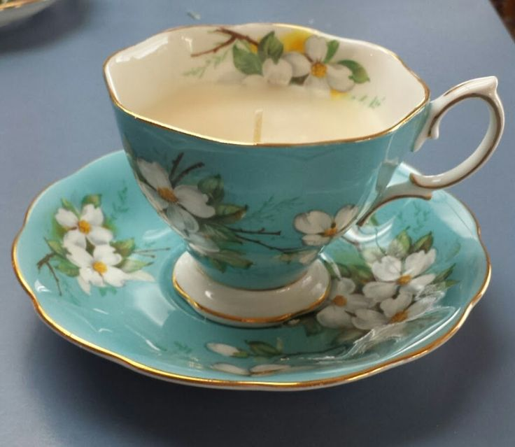 Vanilla Caramel Scented Candle in a Vintage Bone China Tea Cup #kjcreations #diy #crafts #homedecor #shabbychic #farmhousechic #vintage #upcycled #bonechina #teacup