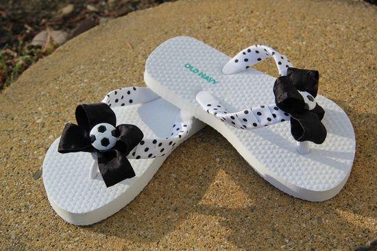 Flip flop craft ideas soccer flip flops too cute soccer for Flip flops for crafts