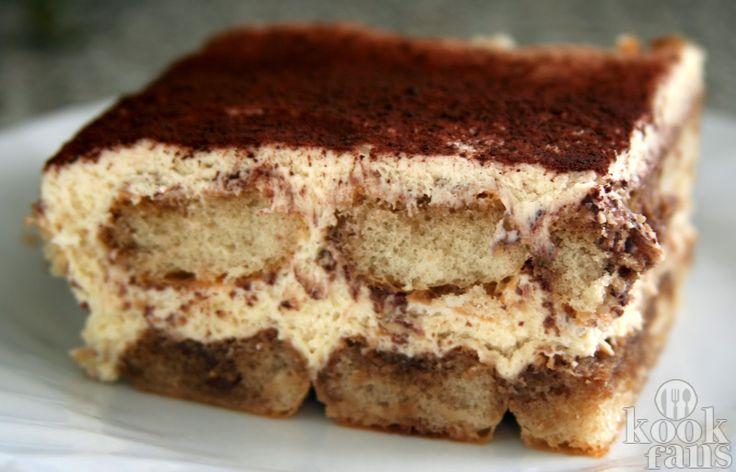 Heerlijke tiramisu volgens Italiaans recept! Tiramisu is misschien wel het allerlekkerste eten dat er bestaat op deze aardbol. Het is koud, zoet, romig en heeft een heerlijke smaak van koffie en drank. Toch maken maar weinig mensen het; het is namelijk niet zo makkelijk om 'm echt lekker te krijgen