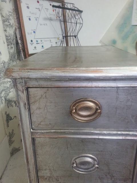 How to cover furniture with aluminum foil. Chalk Paint® meets Lenny. Step by Step
