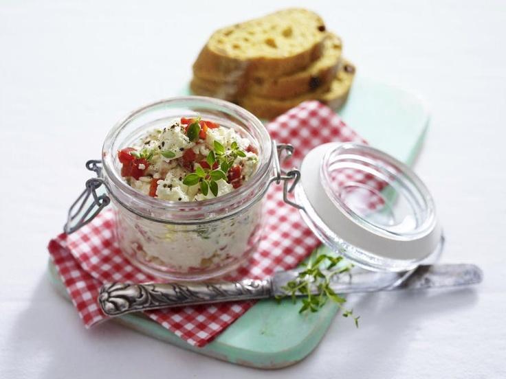 Brotaufstriche für jeden Geschmack - paprika-schafskaese-aufstrich1 Rezept