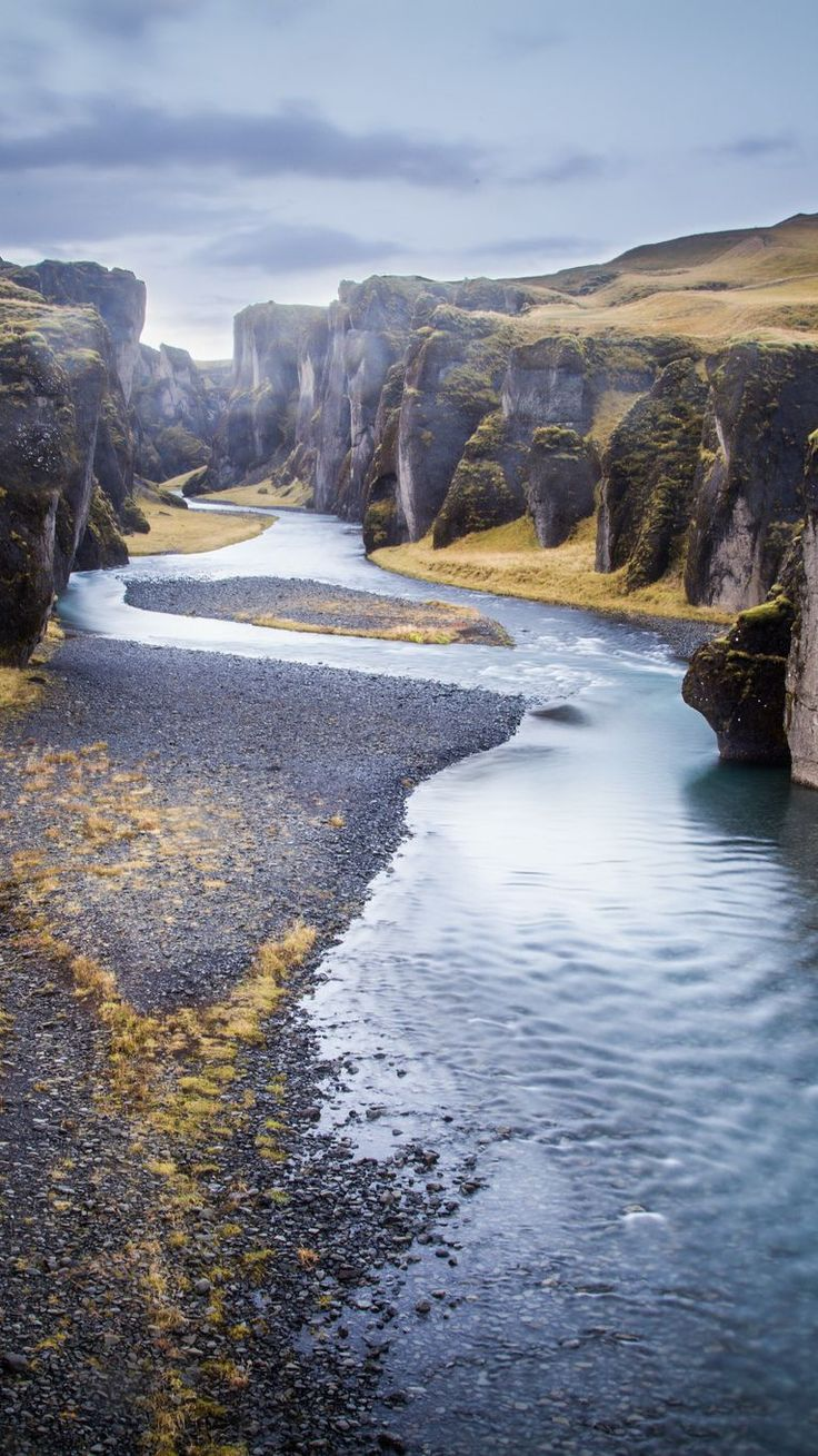 Fjadrargljufur Canyon, Kirkjubaejarklaustur – By Andrés Nieto Porras [CC BY-SA 2.0] via Flickr - 20 Photos that prove #Iceland is the land of Ice and Fire. #Gameofthrones #GOT