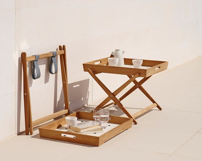 The Amaze folding table is a must, it can be used outdoor in the garden or indoors.