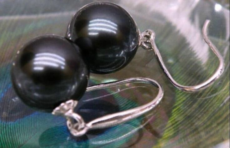PERFECT ROUND BLACK 10-11MM AAA SOUTH SEA PEARL EARRING
