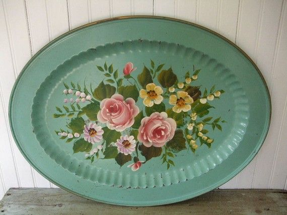 Gorgeous Green Tole Tray (Etsy)
