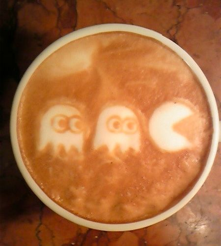 Pac-Man Coffee Art - by Japanese coffee artist Kazuki Yamamoto.
