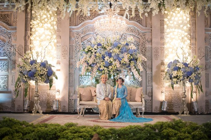 Perpaduan adat tradisional dan fairytale ternyata bisa diwujudkan! Yuk simak pernikahan dengan tema Javanese fairytale ala Byandra dan Yadi!
