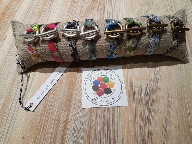 Très bientôt à la boutique les jolies créations en tissu de Fabienne de l'Art et Création 33. Bijoux mais aussi sacs, cale-porte, ...