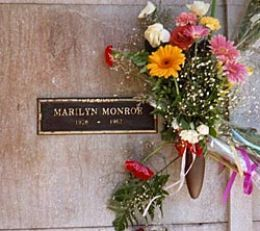 http://ladyjane1.hubpages.com/hub/My-Obsession-with-Marilyn-Monroe