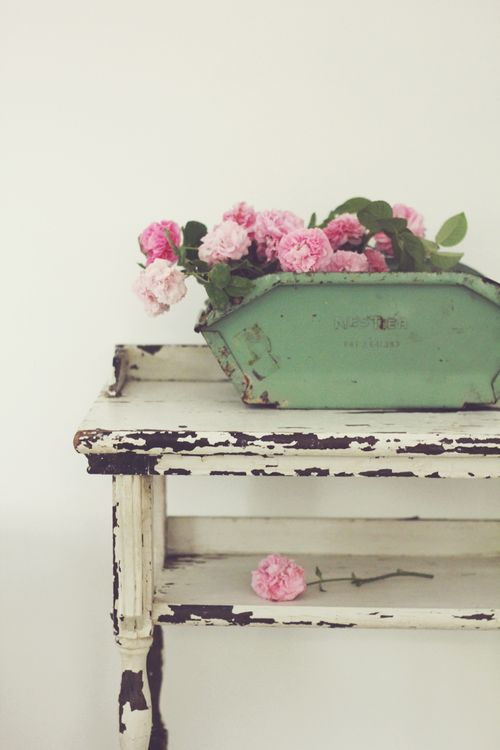 Chippy flowers perfect combination things i love - Telas shabby chic ...