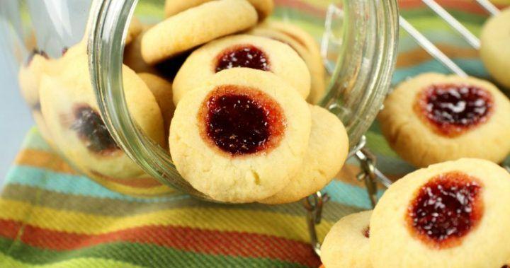Jam-drop-biscuits-170714