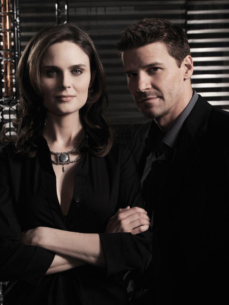 Bones Season 3 - Promo Image | David Boreanaz as Special Agent Seeley Booth Emily Deschanel as Dr. Temperance Brennan