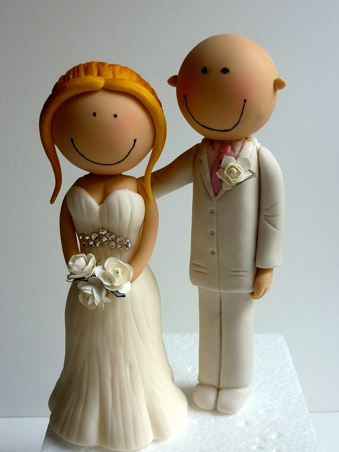 Bride & Groom by Incredible Edible Cakes, via Flickr
