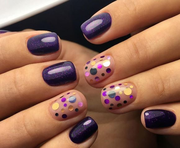 The trend for 2017 are dots on some of the nails.