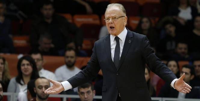 Basket - WTF - Thomas Heurtel se fait incendier par Dusan Ivkovic après une perte de balle Check more at http://info.webissimo.biz/basket-wtf-thomas-heurtel-se-fait-incendier-par-dusan-ivkovic-apres-une-perte-de-balle/