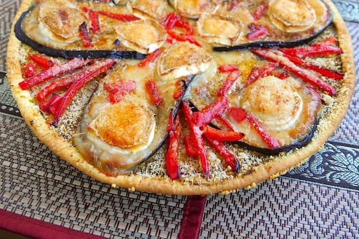 Recette de Tarte fine aubergine poivron chèvre : la recette facile