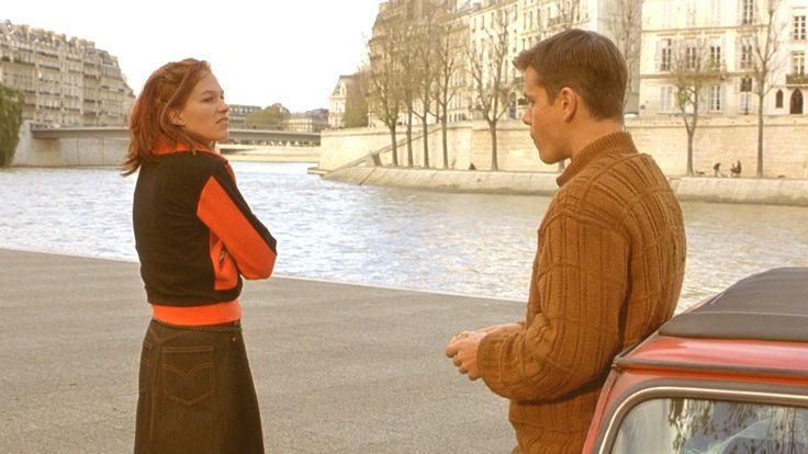 Identidad Desconocida.  - Al final de la película Jason y Marie se reencuentran en un cálido abrazo, pero la escena era completamente diferente, la que se eliminó mostraba un encuentro más caluroso y pesado entre estos dos en un atardecer en la playa.