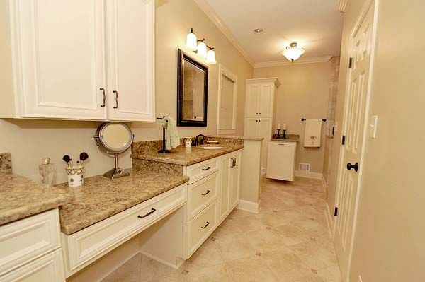 Pix For Quartz Countertops White Cabinets Kitchen Cabinets