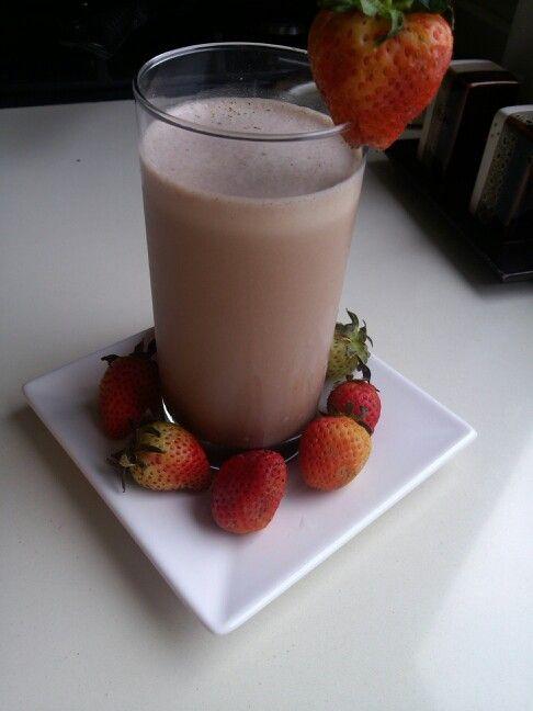 Batido de #Wheyproteín Sabor a chocolate #fresas Yummy