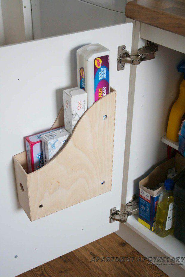 rangement DIY à l'intérieur du placard