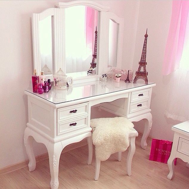 White Toilette Makeup Desk And Eiffel Tower Room Decor Ideas For My Bedroom