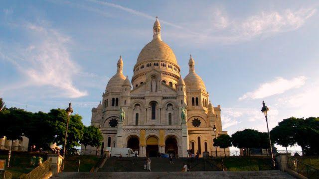 Sacré Coeur, Paris, at dawn.