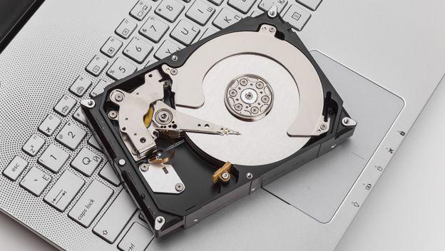 Crean el disco duro más pequeño a partir de un solo átomo -- IBM convierte un sólo átomo en un disco duro