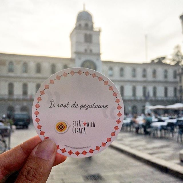 Îi rost de șezătoare în toată lumea ~ Padova ❤️ #sezatoareaurbana #italy #romanian Design by @corinamoscu